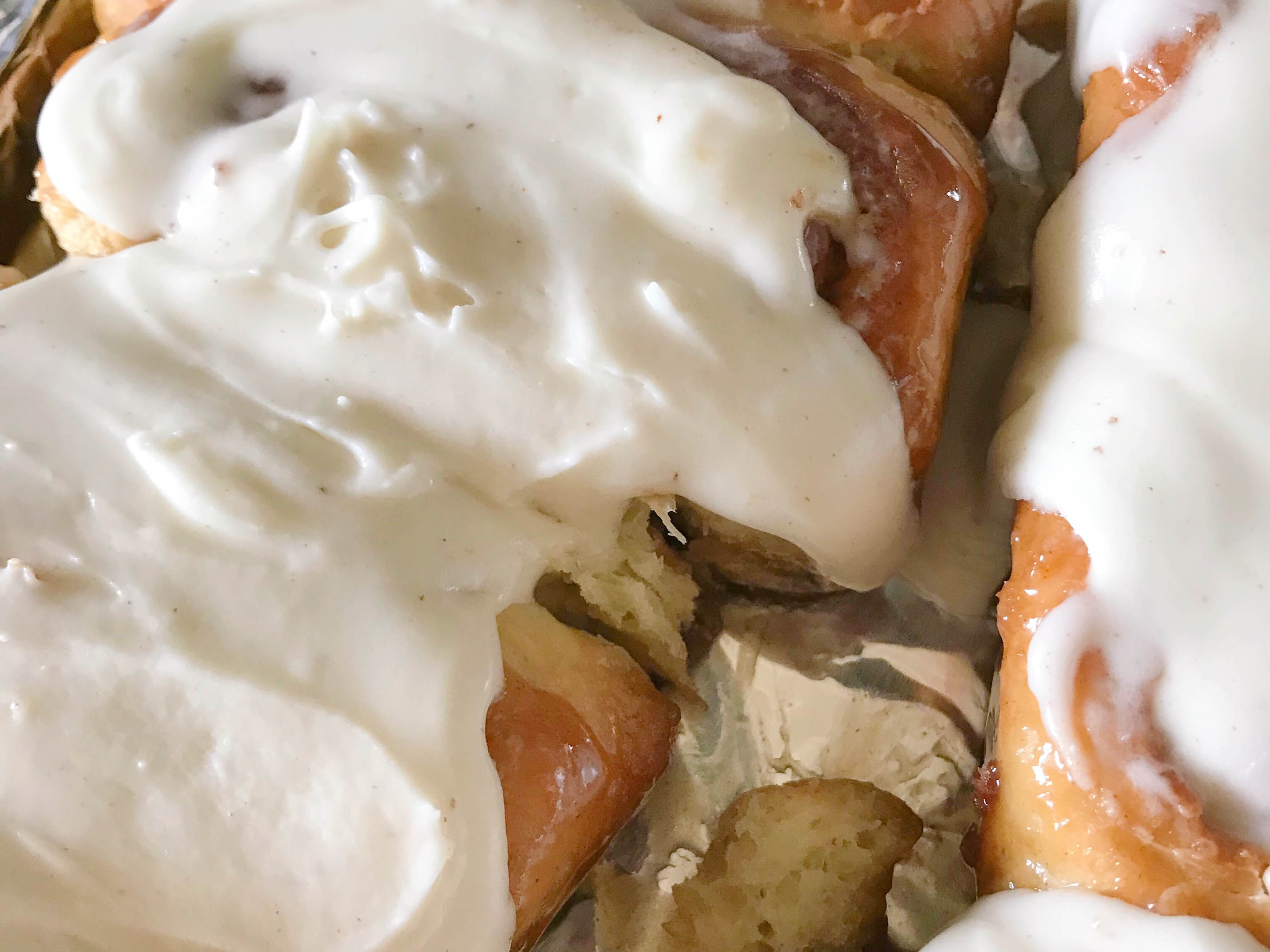 Best Cream Cheese Frosting for Cinnamon Rolls